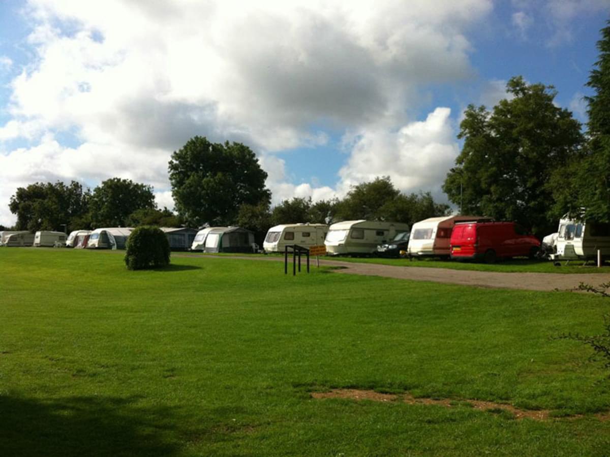 Giants Head Caravan & Camping Park - Photo 3