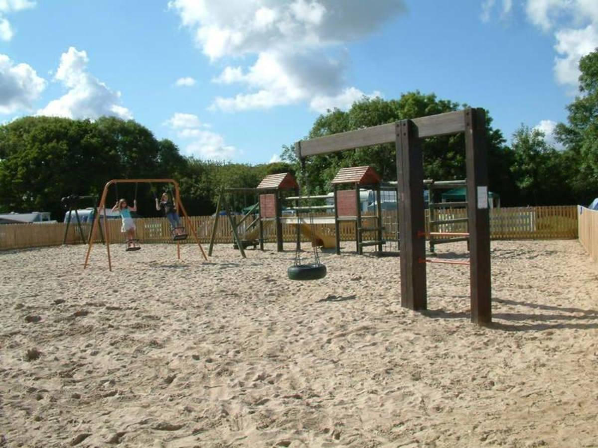 Riverside Holiday Park - Photo 3