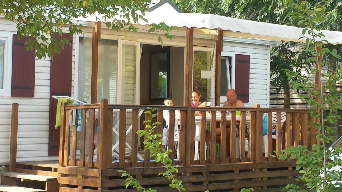 Camping LES CALQUIERES - Photo 2