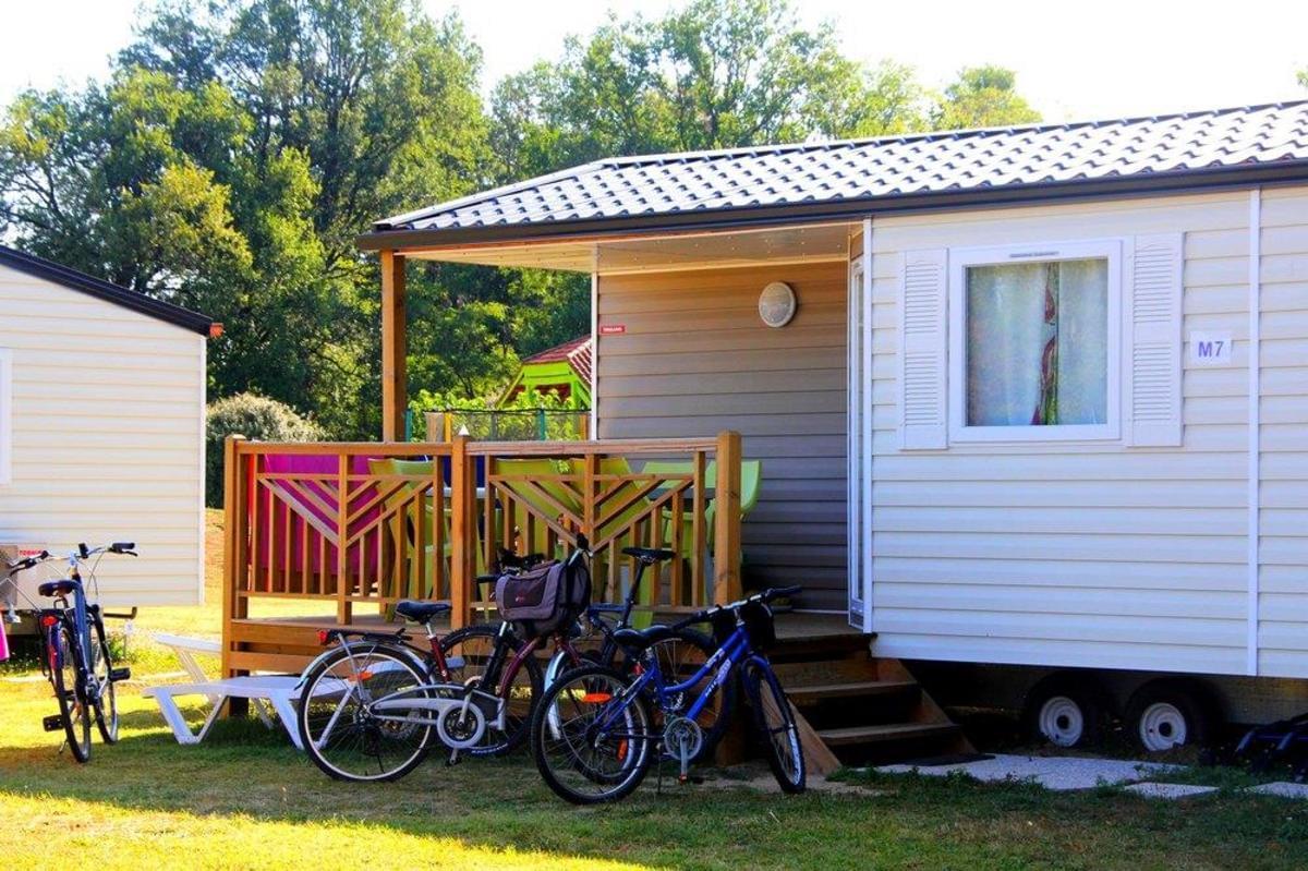 Camping Les Pommiers d'Aiguelèze - Photo 2
