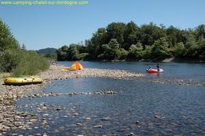 Camping LES CHALETS SUR LA DORDOGNE - Photo 18