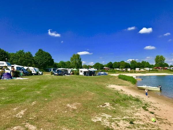 Recreatiepark en Jachthaven Rhederlaagse Meren - Photo 1