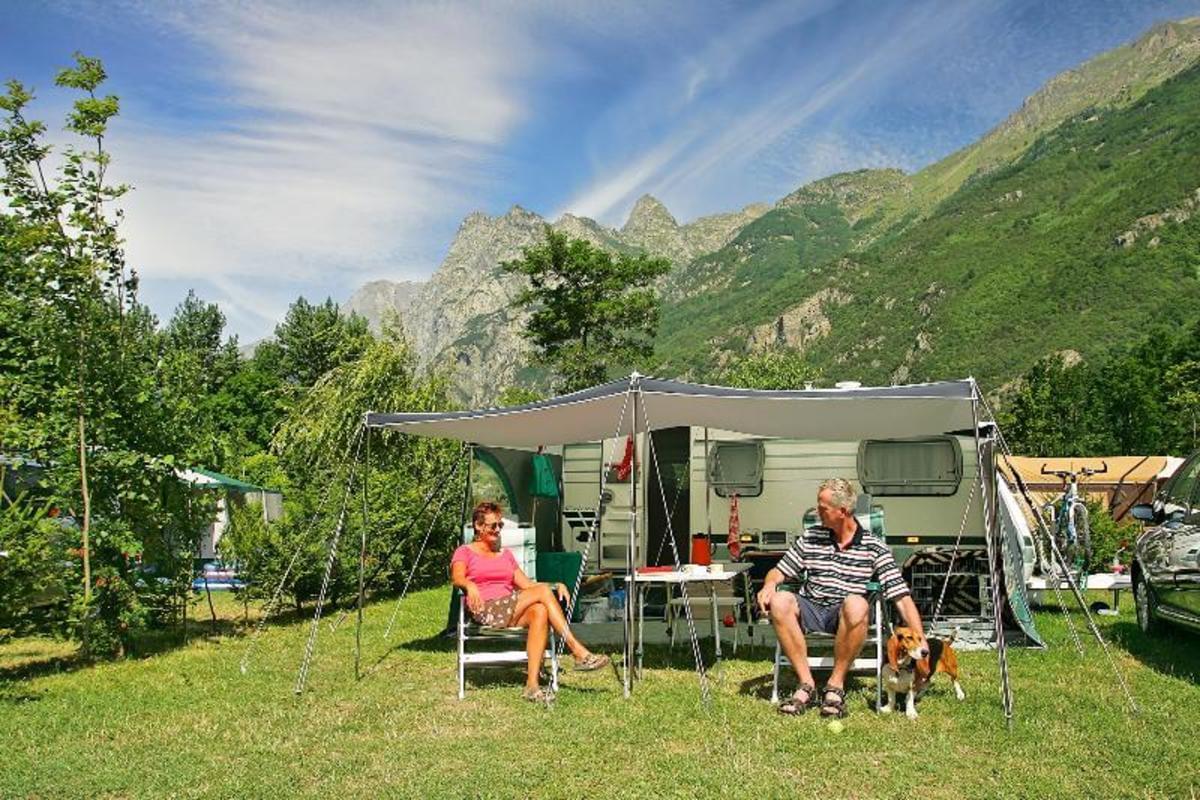Camping Château de Rochetaillée - Photo 8