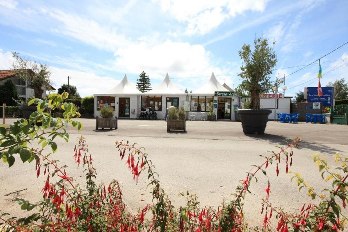 Camping Les Vertes Feuilles - Photo 7