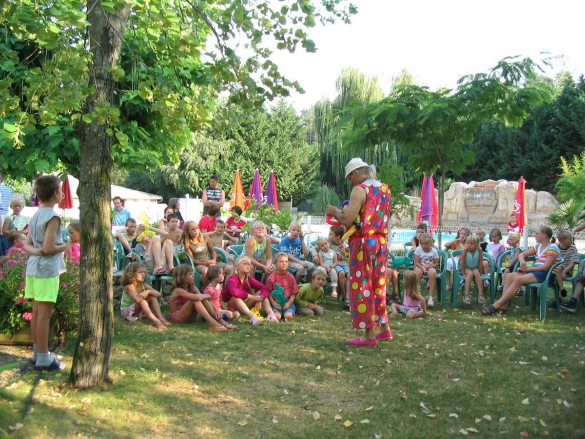 Camping DOMAINE DE GIL - Photo 45
