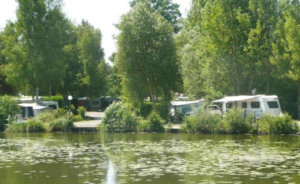 Camping du Vivier aux Carpes - Photo 1