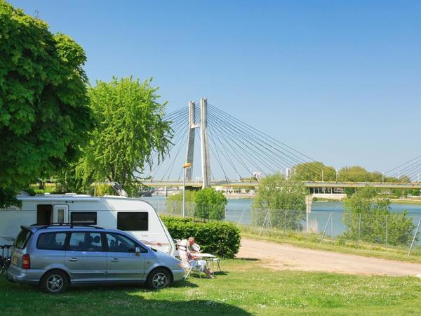 Camping du Pont de Bourgogne - Photo 3