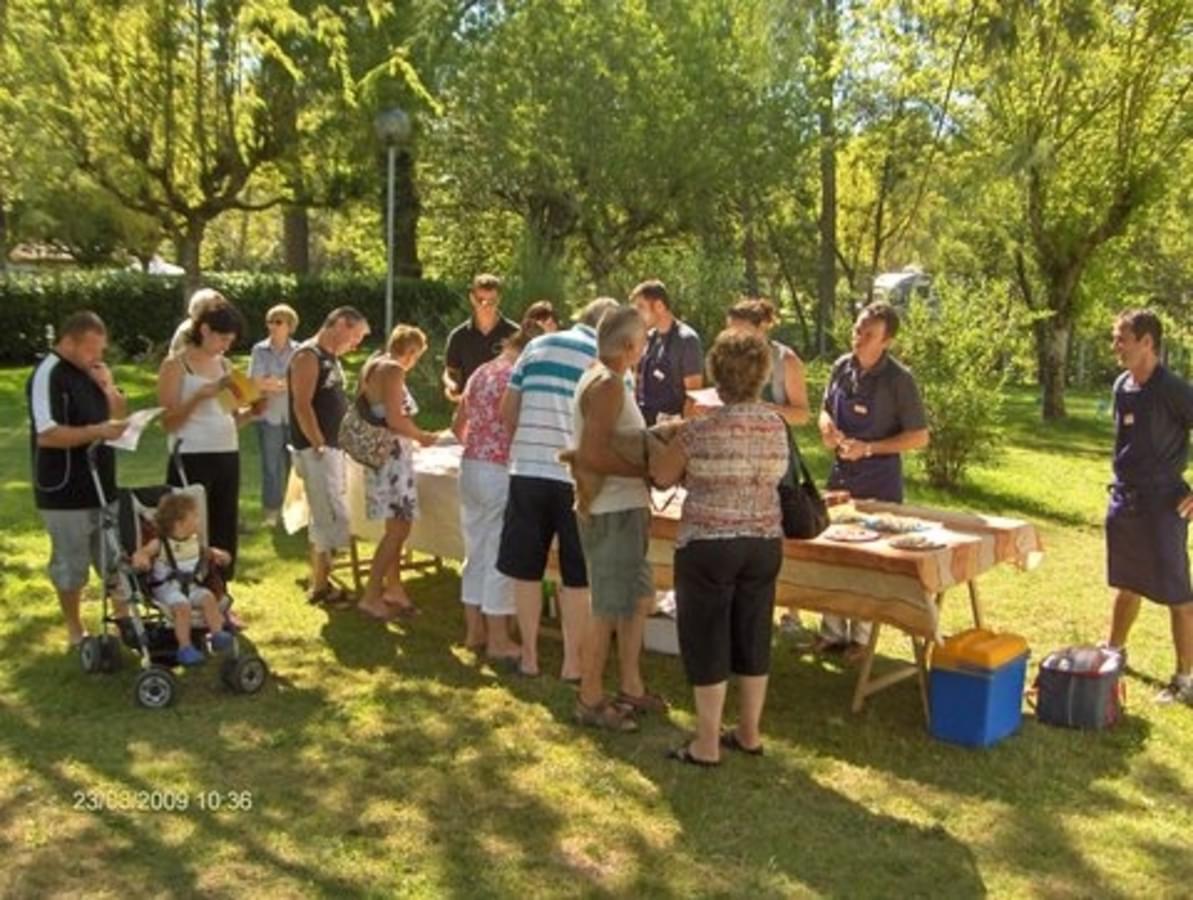Camping Le Plein Air Neuvicois - Photo 30