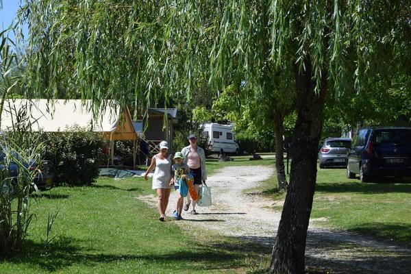 Camping Paradis Etangs de Plessac - Photo 2