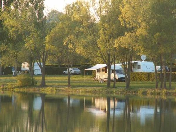 Camping du Lac des Varennes - Photo 4