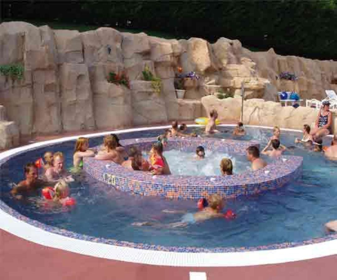 Camping Le Clos Auroy - Photo 25