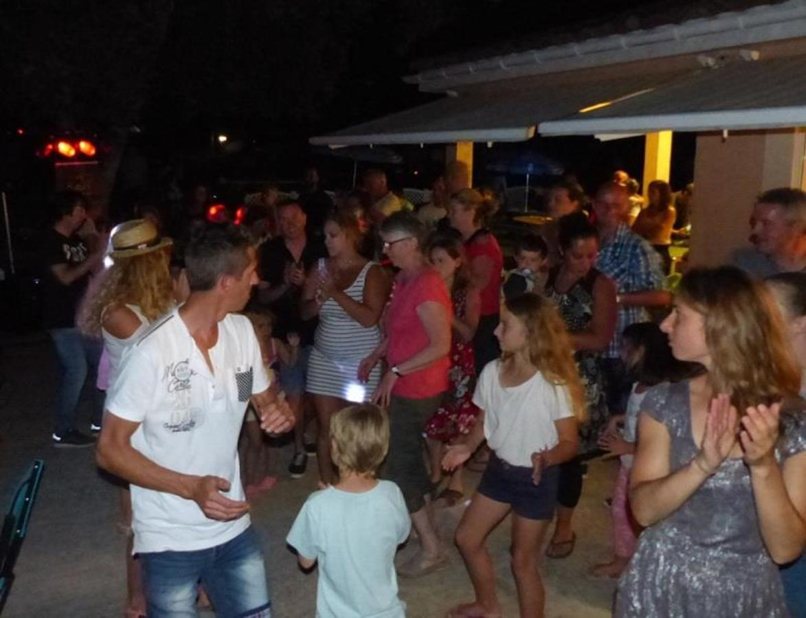 Camping LE MARTINET ROUGE - Photo 41