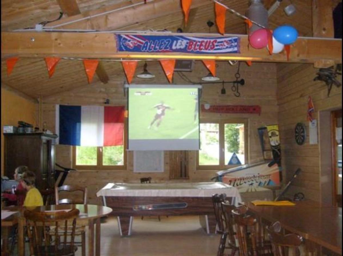 Camping Les Chelles - Photo 23