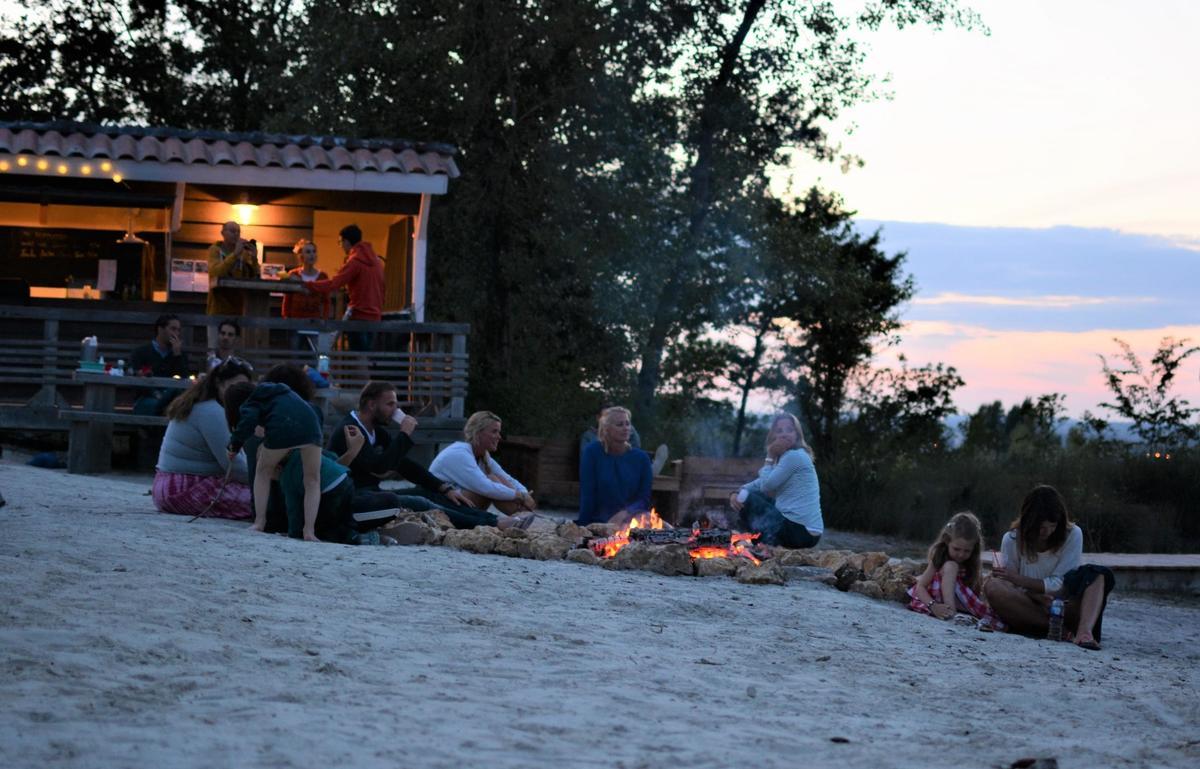 La Parenthèse - Camping Les Ormes - Photo 4