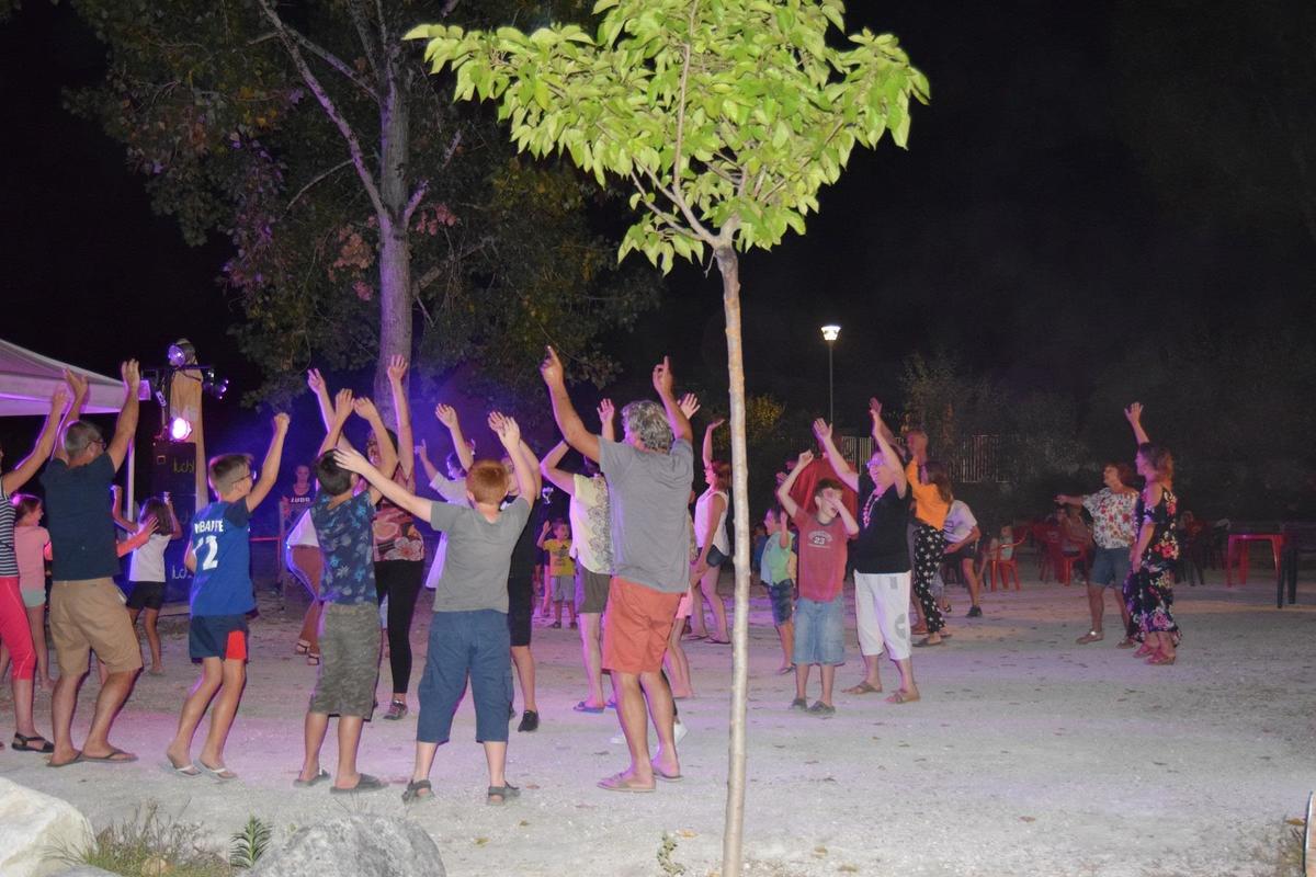 Camping Paradis Etangs de Plessac - Photo 33