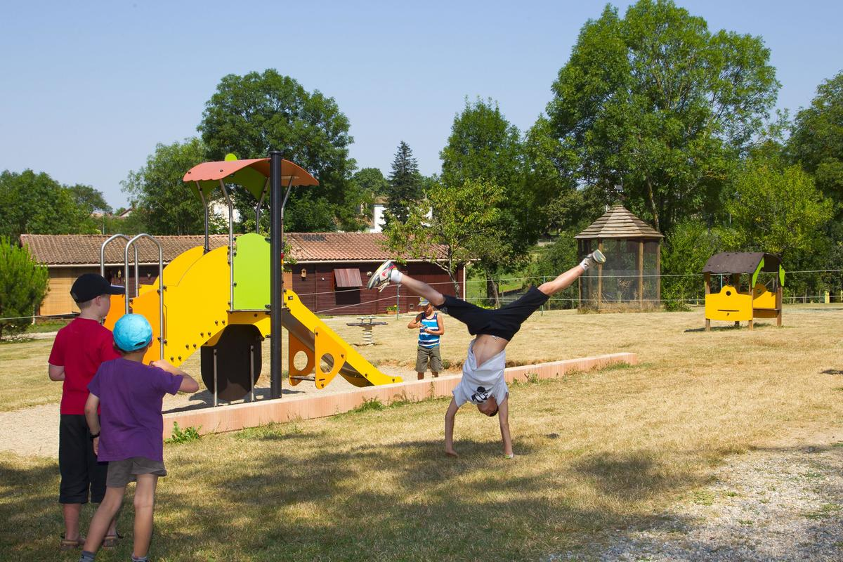Camping les Monts d'Albi - Photo 5
