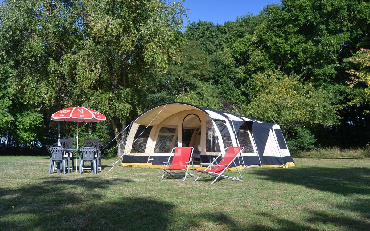 Camping Dun-le-Palestel - Photo 2