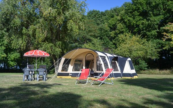 Camping Dun-le-Palestel - Photo 2
