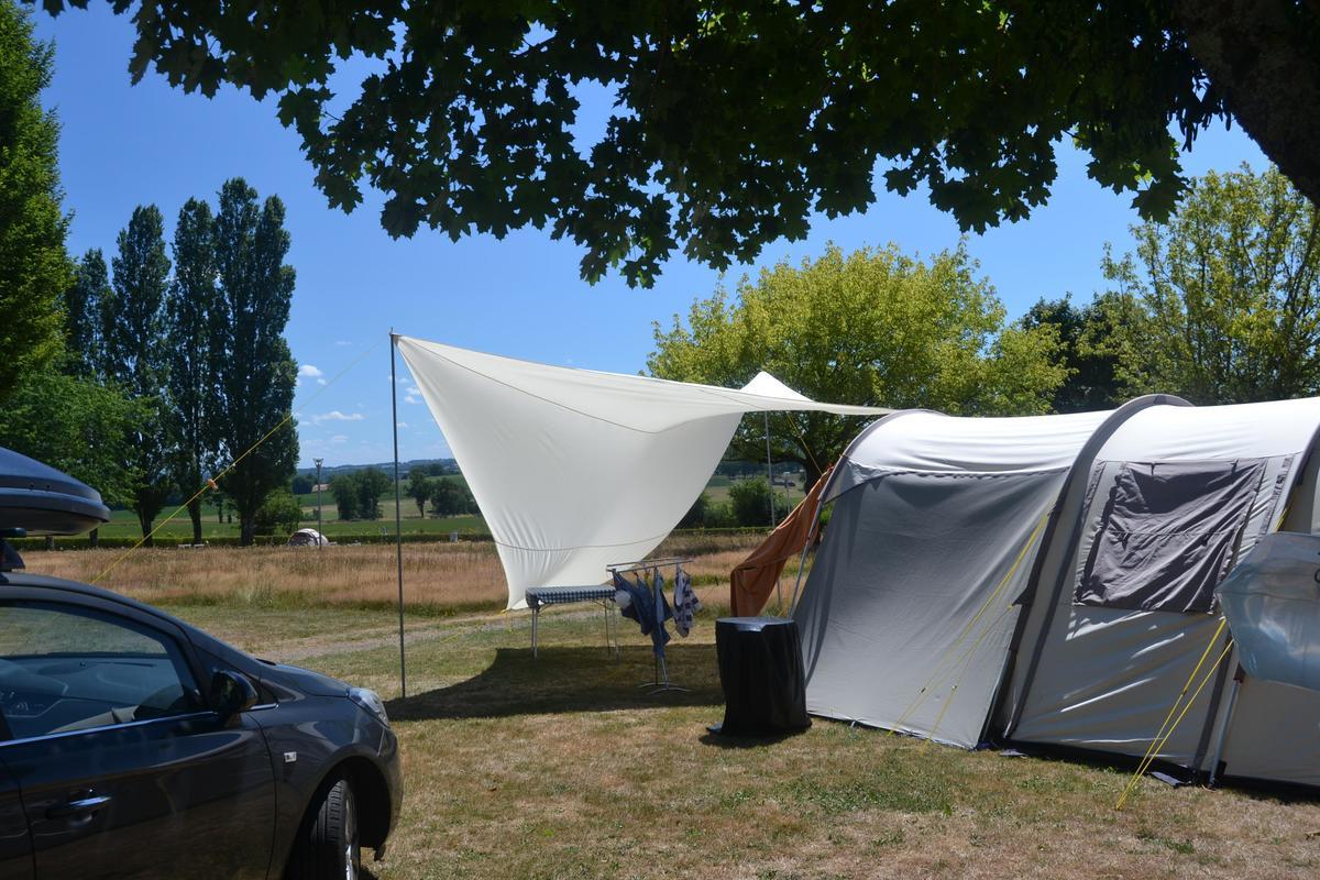 Camping Dun-le-Palestel - Photo 6