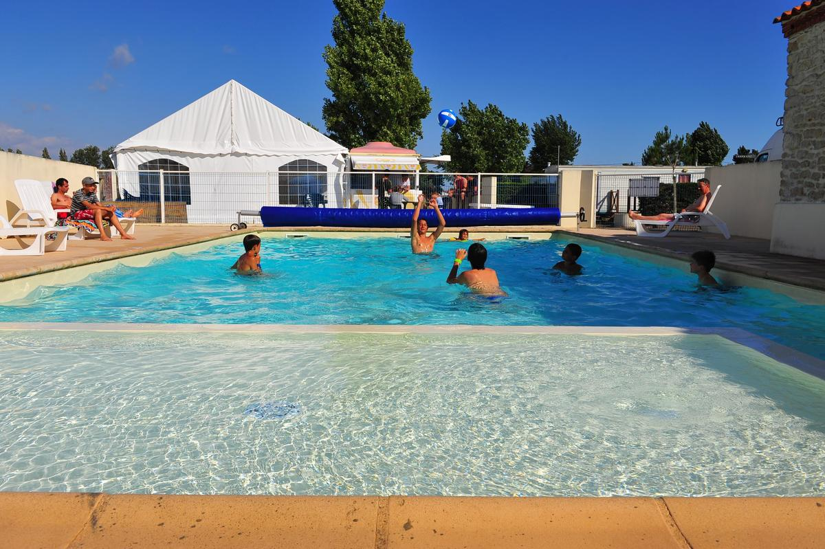 Camping APV Le Pavillon Bleu - Photo 1