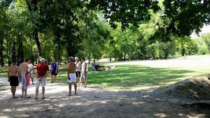Aire naturelle de Camping La Ferme aux Cerisiers - Photo 2