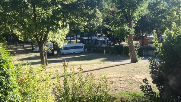 Camping de l'Orangerie du Domaine de Giraud - Photo 3
