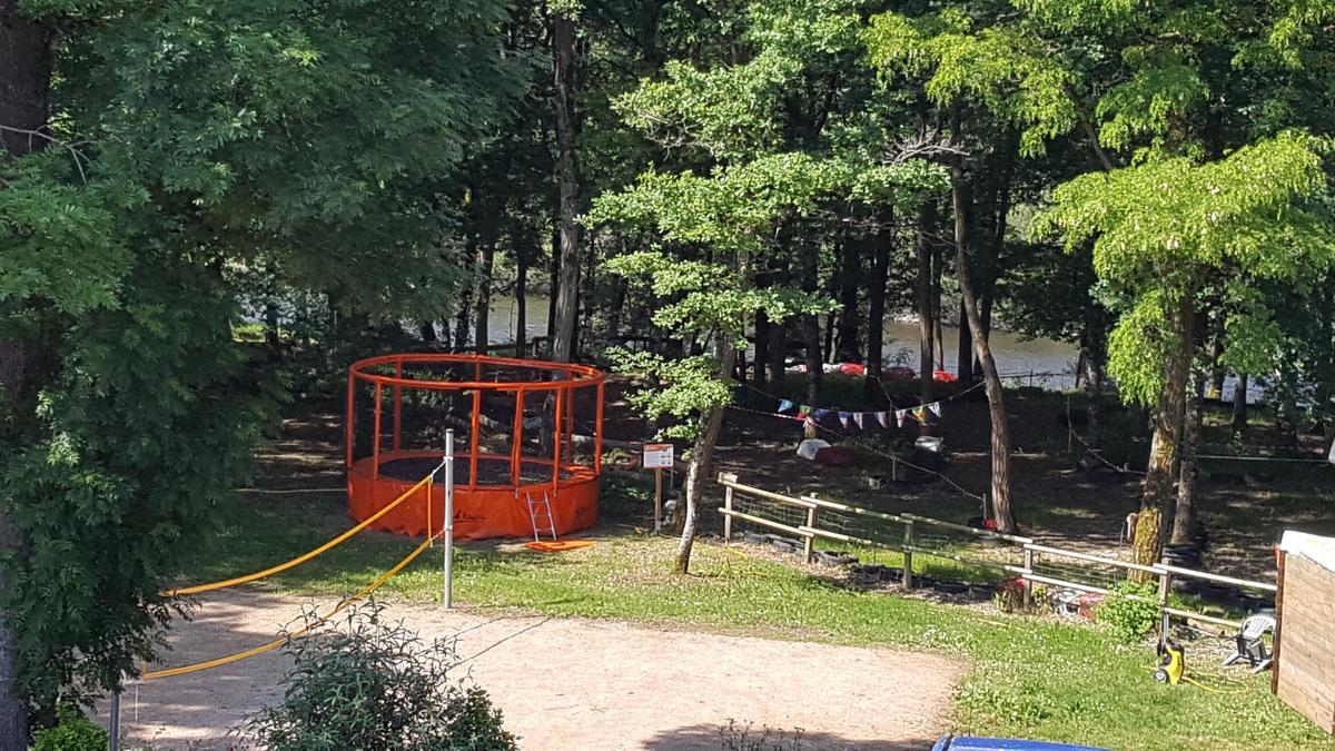 Camping LES CHALETS SUR LA DORDOGNE - Photo 27