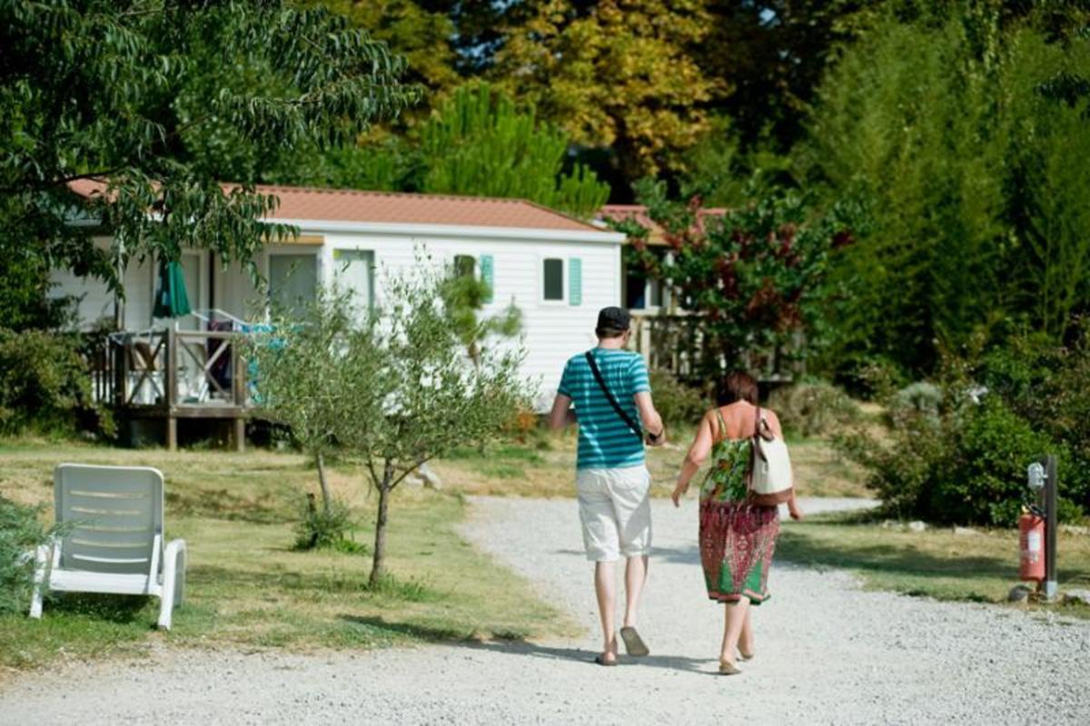 Camping Forcalquier Les Routes de Provence - Photo 2