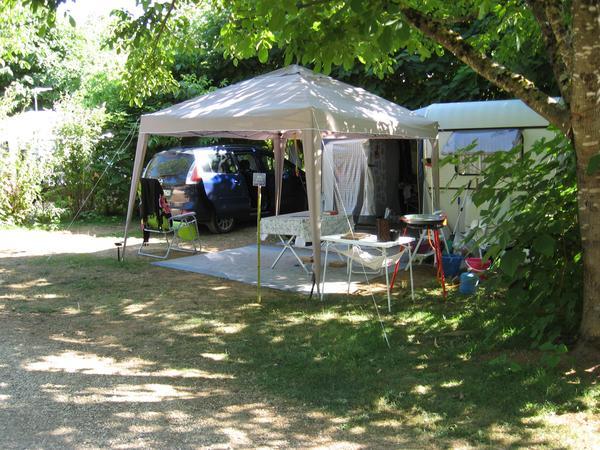 Camping à la ferme les Pierres Chaudes - Photo 2