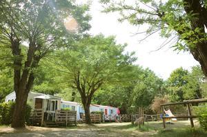 LA BOHEME Camping Hôtel - Photo 3