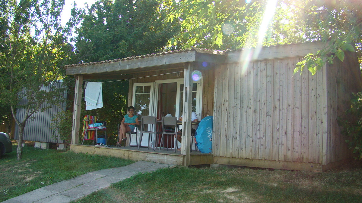 Camping LES GRAVES - Photo 21