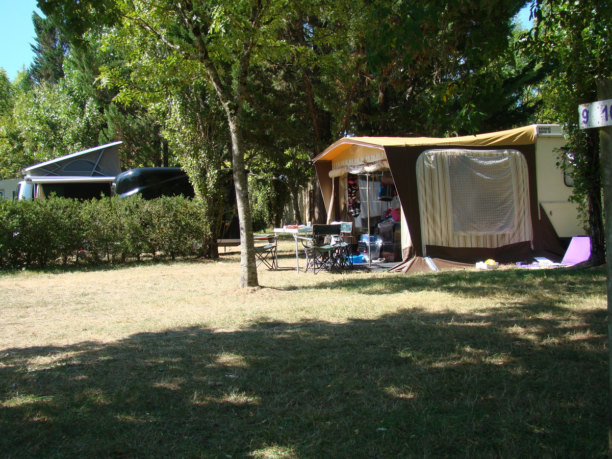 Camping LES GRAVES - Photo 24