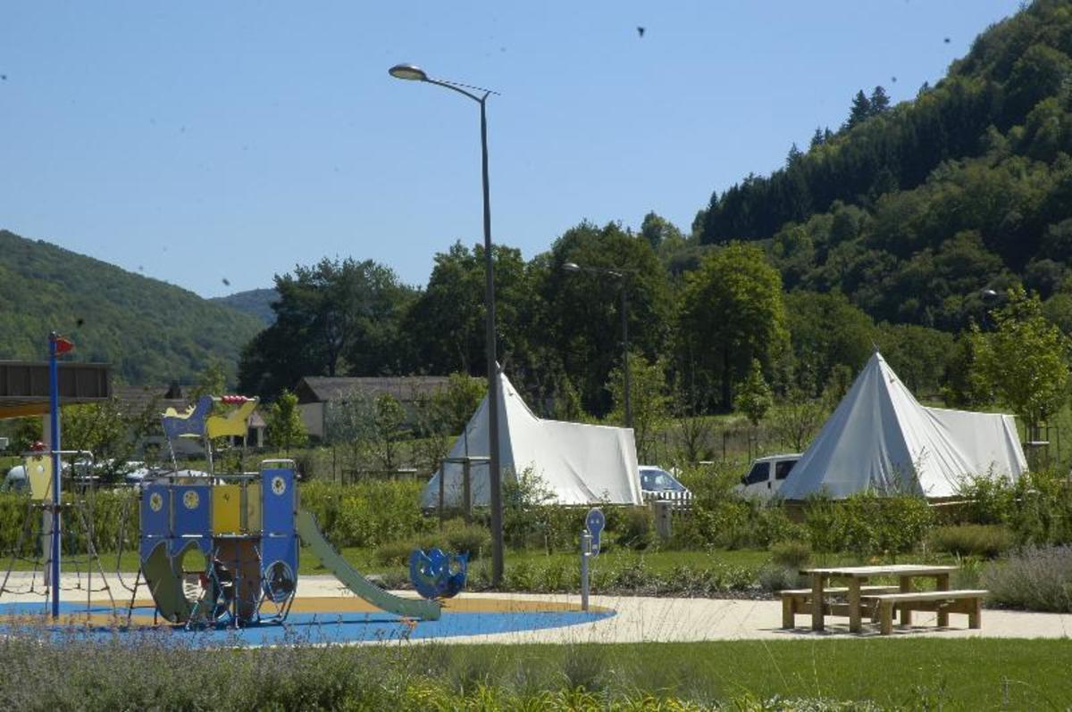 Camping Ecologique LA ROCHE D'ULLY - Photo 909