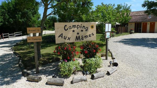 Camping Aux Mêmes - Photo 1101